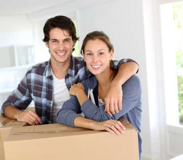 couple-moving-house-rent-self-storage